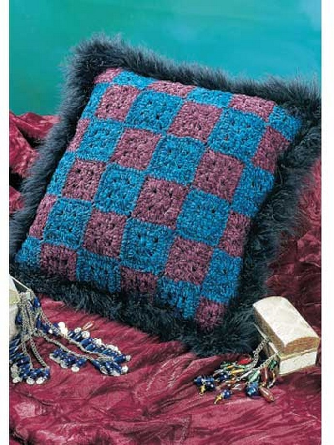Free Crochet Fluffy Granny Pillow