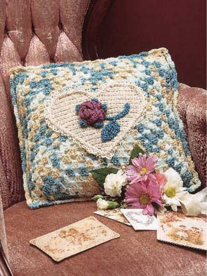 Free Crochet Sweetheart Pillow