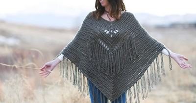 Crochet A Poncho – Trails End Seamless Poncho