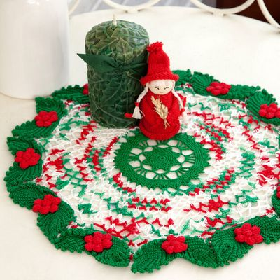 Free Crochet Holly & Lace Doily Pattern